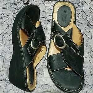 Born Leather Wedge Slides Ladies Womens size 9